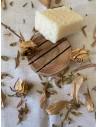 COFFRET : Savon végétal gommant gelée royale + Porte savon en bois