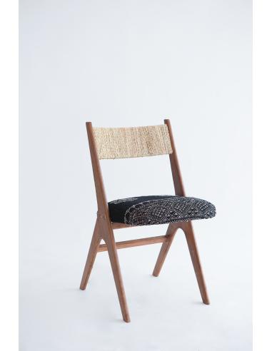 Nura Chair